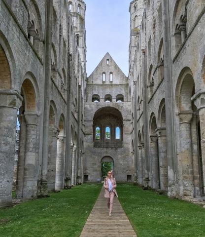Jumièges - údajne najkrajšia zrúcanina Francúzska /Jumièges - angeblich die großartigste Ruine Frankreichs