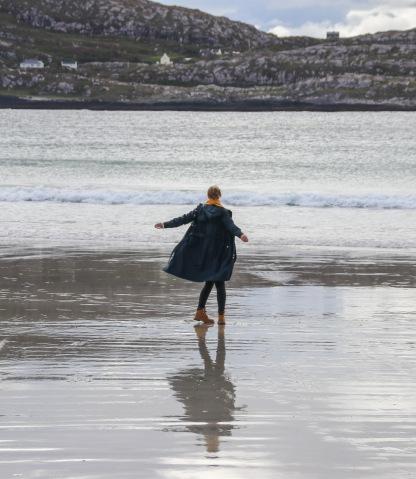 Ranný odliv v Derrynane Bay.