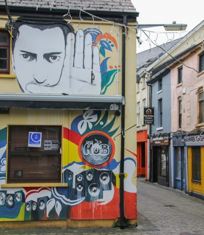 V uličkách Ennis