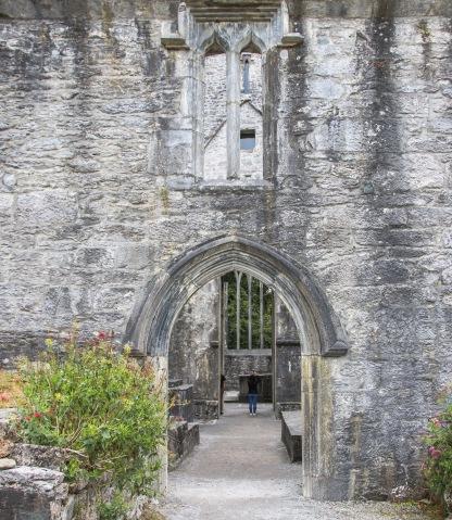Vstup do Mucross Abbey je zdarma.